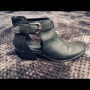 American Eagle black booties with side buckle